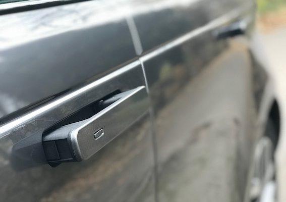 Range_Rover_Velar1