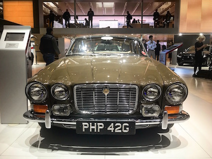 Jaguar_XJ_original2